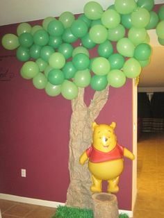 Winnie the Pooh and Friends Birthday Party or baby shower decoration made from balloons and kraft paper! I'd change the balloon to classic pooh stuffed bear and his other friends around Tigger And Pooh, Winnie The Pooh Themes, Winnie The Pooh Birthday, Baby 1st Birthday, Friend Birthday, First Birthday Parties, First Birthdays, Pooh Bear, Winnie The Pooh Halloween