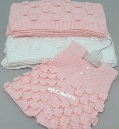 Crochet Bebe, Girls Sweaters, Baby Knitting Patterns, Diy Clothes, Baby Dress, Gifts For Kids, Lace Shorts, Baby Gifts, Diy And Crafts