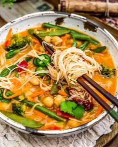 This healthy, wholesome, and utterly delicious Thai Curry Chickpea Noodle Soup is super easy, comes together in 20 minutes, and is pure Thai curry heaven. Veggie Recipes, Whole Food Recipes, Vegetarian Recipes, Healthy Recipes, Vegan Soups, Healthy Soups, Healthy Food, Soy Sauce Stir Fry, Thai Curry