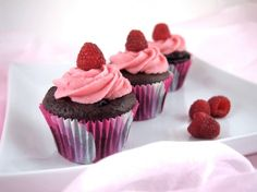 Gluten Free Chocolate Raspberry Cupcakes by www.thebakingbeauties.com