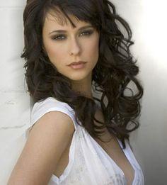 I've been told I also look like Jennifer Love Hewitt. Hmmm.