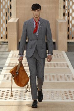 Look 01 from the Louis Vuitton Men's Spring/Summer 2014 Fashion Show. ©Louis Vuitton / Ludwig Bonnet