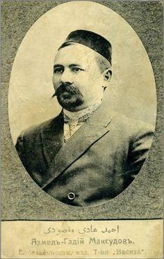 Tatars. Ахметхади Максуди