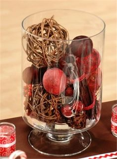 Christmas table decor DIY, Christmas decor table glass #Christmas #table #decor #DIY www.loveitsomuch.com