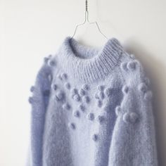 LIGHT BUBBLE sweater - Strikkeopskrift (pdf)- DK (danish) Drops Design, Knitting Designs, Knitting Patterns, Sewing Patterns, Knit Fashion, Fashion Outfits, Fashion Fashion, Tweed, Raglan Pullover