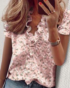 Women's Summer Fashion, Look Fashion, V Neck Blouse, Short Sleeve Blouse, Long Sleeve, Ruffle Blouse, Casual Tops, Casual Wear, Pineapple Print