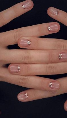 Your bridal manicure doesn't have to be boring! Take a look at these 20 ideas fo. - Your bridal manicure doesn't have to be boring! Take a look at these 20 ideas for Bridal Nails that are anything but boring. Pink Nails, Glitter Nails, My Nails, Sparkle Nails, Gold Glitter, Gold Nails, Fancy Nails, Paradise Nails, Beauty Nail