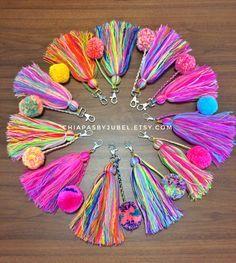 pom pom and tassels keychain BIG size / colorful bag charm / boho handmade pom poms / hippie fashion complements / llavero pompom Pom Pom Crafts, Yarn Crafts, Diy And Crafts, Arts And Crafts, Tassel Keychain, Pom Poms, Diy Gifts, Diy Jewelry, Jewelry Necklaces