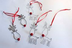 Doo it – just doo it: Rustne Rudolph - Christmas Jewelry Christmas Makes, Noel Christmas, Christmas Jewelry, Handmade Christmas, Christmas Ornaments, Reindeer Ornaments, Christmas Wreaths, Wire Crafts, Metal Crafts