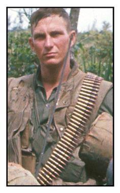 Virtual Vietnam Veterans Wall of Faces | ROBERT W MOYER | MARINE CORPS