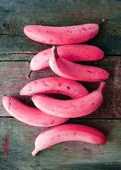 Pretty, I don't think I would watch a pink banana! Pink Love, Pretty In Pink, Pink Purple, Magenta, Pink Banana, Banana Art, Rosa Pink, Pink Foods, I Believe In Pink