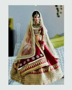 This is an Indian bride doll. Made on a barbie in India regular body type and wears heavily embellished Indian bridal costume. Indian Wedding Bride, Indian Bride And Groom, White Wedding Gowns, Indian Bridal, Bride Groom, Barbie Dress, Barbie Clothes, Barbie India, Barbie Bridal
