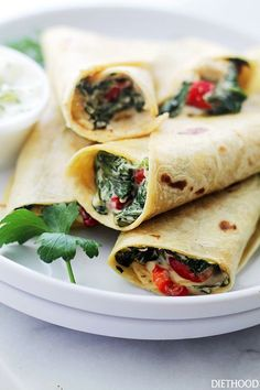 Spring Superfood Recipes Creamy Spinach and Feta Cheese Wraps. Get the recipe. Healthy Foods To Make, Healthy Wraps, Healthy Eating Recipes, Healthy Snacks, Cooking Recipes, Snack Recipes, Dinner Recipes, Tortilla Wraps, Creamy Spinach