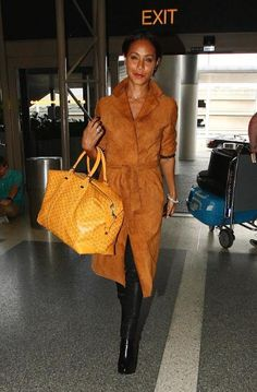 Jada Pinkett Smith gave airport chic a go at LAX in Los Angeles. Cute, no?