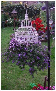 53 Flowers Garden Ideas for Backyards that make your Home Fresh #landscapeideas #flowersgardenideas #flowersgarden ~ vidur.net