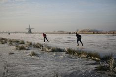 Friesland in Winter Winter Wonder, Winter Fun, Winter Sports, Outdoor Ice Skating, Holland Netherlands, Snow Fun, Tourist Places, Winter Pictures, Le Moulin