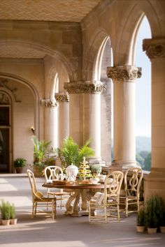 Luxurious Italian villa with a gorgeous arched portico and a perfect view while dining alfresco...     ᘡղbᘠ