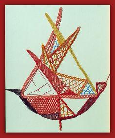 """""""FEU"""" : pointes, triangles et couleurs chaudes"""