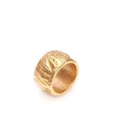 ring | electroformed copper, gold plated. Letitia Pintilie, 2015