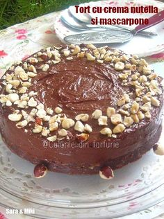 Tort-cu-crema-nutella-si-mascarpone-1 Something Sweet, Nutella, Goodies, Food And Drink, Cooking Recipes, Pudding, Favorite Recipes, Sweets, Vegan