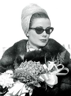 "Grace Kelly wearing Oliver Goldsmith ""Sophia"", 1960"
