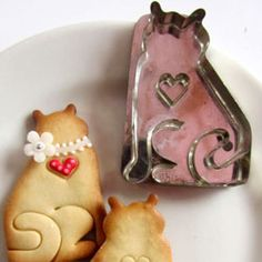 New Arrival Cookie Cutters - Hammer Song Cat with Heart Tin Cookie Cutter
