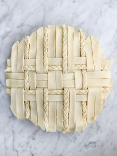 Granny Smith Apple Pie is an ode to the apple pie of childhood. For classic apple pie flavour switch half of the Granny Smith apples for others you like. Beautiful Pie Crusts, Apple Pie Crust, Lattice Pie Crust, Pie Crust Designs, Pie Decoration, Pies Art, Holiday Pies, Apple Pie Recipes, Apple Pies
