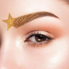 """3,438 gilla-markeringar, 44 kommentarer - Sarah McG (@sarahmcgbeauty) på Instagram: """"Shooting star brows  tag the person you know with the best brows  Using @purcosmetics Photo…"""""""