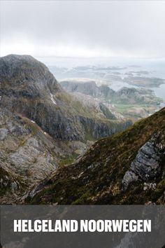 Een verscheidenheid aan prachtige gebieden – of het nou de gletsjers en fjorden in het zuiden zijn, of de noordelijke ruige Lofoten. Tóch zijn er ook nog plekjes die niet zomaar voorkomen op ieders top-10 lijstje, maar er eigenlijk wel op zouden moeten staan. Helgeland is een van die regio's waar je je hart kunt ophalen. De veelzijdige en unieke historie, de prachtige afgelegen eilandjes en daarnaast natuurlijk de grote variatie aan prachtige hikes! Mountains, Water, Travel, Outdoor, Gripe Water, Outdoors, Viajes, Traveling, The Great Outdoors