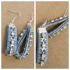 Denim earrings Denim earrings Related posts: DIY Tassel Earrings In 3 Colorful Ways Denim Bracelet, Denim Earrings, Fabric Earrings, Textile Jewelry, Fabric Jewelry, Beaded Jewelry, Denim Armband, Homemade Jewelry, Bijoux Diy
