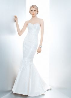POPPY TRUMPET - Wedding Gown / 2013 Collection - by Matthew Christopher - Available colours : White & Off White