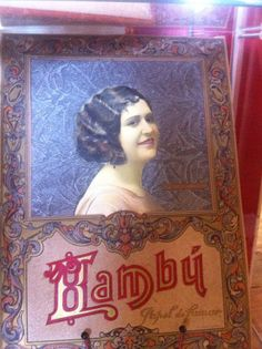 Calendario de la firma de papel de fumar Bambu con la imagen de la Miss España del momento. De principios de siglo