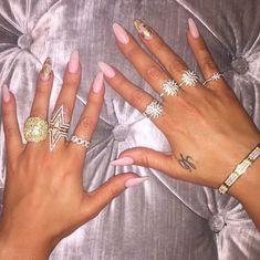 Khole kardashian nails NAILS in 2019 Celebrity nails, Pink kim k coffin nails - Coffin Nails Neon Yellow Nails, Pink Nails, Acrylic Nail Shapes, Acrylic Nails, Acrylics, Stiletto Nails, Coffin Nails, Uñas Kylie Jenner, Khloe Kardashian Nails