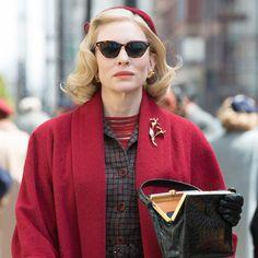 Sandy Powell es una de las directoras de vestuario más prestigiosas de la industria cinematográfica. Ganadora del Oscar en tres ocasiones, este año parte como favorita con dos nominaciones, una por...