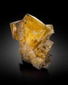 Fluorite - Hilton Mine, Scordale, Hilton, Escarpment District, Cumbria, England, UK Size: 7.7 × 5.5 × 5.2 cm