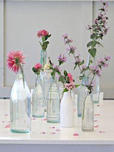 Zet je bloemen eens in iets anders dan een vaas Roomed   roomed.nl