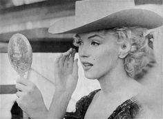 Marilyn Monroe 'Bus Stop' 1956 Marilyn Monroe, Divas, Mazzy Star, Candle In The Wind, Jane Russell, Gene Kelly, Mae West, Bus Stop, Norma Jeane