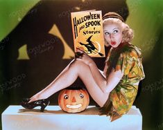 Halloween pinup pose of Betty Grable several years before her rise to super stardom. Color enhanced image by Hollywood Pinups from the b&w original. Golden Age Of Hollywood, Vintage Hollywood, Halloween Stories, Colorized Photos, Pin Up, Horror, Princess Zelda, Poses, Superhero