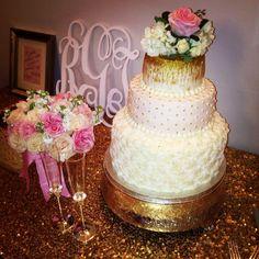 Gold and blush pink wedding cake #macycakes