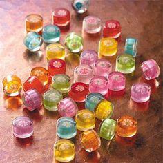 ナナコプラスのアクセ These candy look very delicious.But they are accessories. Japanese Candy, Japanese Sweets, Japanese Wagashi, Cute Food Wallpaper, British Sweets, Making Sweets, Wine Gift Baskets, Basket Gift, Penny Candy
