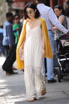 vanessa-hudgens-casual-style-out-in-soho-new-york-city-may-2015_6.jpg (1280×1920)