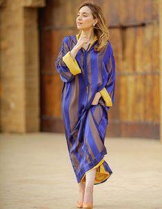 jellaba Sauce jellabaSauce jellaba Genny Spring 2020 Ready-to-Wear Collection - Sponsored Anna Sui Spring 2020 Ready-to-Wear Collection - Vogue Cynthia Rowley Spring 2020 Ready-to-Wear Collection - Vogue Alberta Ferretti Spring 2020 Ready-to-Wear Arab Fashion, African Fashion, Estilo Abaya, Abaya Mode, Morocco Fashion, Hijab Stile, Simple Gowns, Arabic Dress, Moroccan Caftan