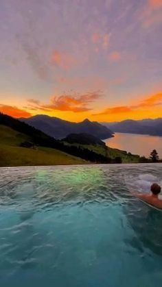 Villa Honegg, Sunset Colors, Beautiful Places To Travel, Swiss Alps, Music Film, Aesthetic Wallpapers, Switzerland, Sunrise, Earth