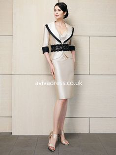 Sheath/Column V-neck Half sleeve Knee-length Taffeta Champagne Mother of the Bride Dress