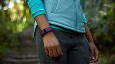Fitbit Charge HR Bracelet tracker d'activités/sommeil Prune Taille S