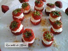 Bouchées de fraises façon tiramisu / La table de Clara Facon, Tiramisu, Cheesecake, Desserts, Table, Delicious Recipes, Greedy People, Tailgate Desserts, Deserts