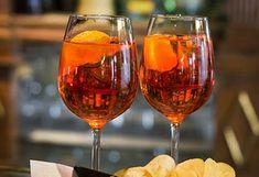 Aperol spritz oppskrift | Mat tips Wine Glass, Alcoholic Drinks, Tableware, Food, Wine, Dinnerware, Tablewares, Essen, Liquor Drinks