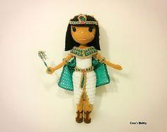 Pattern Cloé the Cleopatra by CrocsBetty on Etsy Crochet Patterns Amigurumi, Amigurumi Doll, Crochet Toys, Knit Crochet, Crochet Dolls Free Patterns, Anime Dolls, Security Blanket, Boy Doll, Girls Accessories