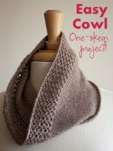 Easy Lace Cowl - It's a one-skein knitting pattern!