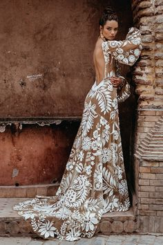Boho wedding dresses with sleeves are so inspiring and absolutely perfect for those who love flowy light gowns. Boho chic is one of the top trending. Dresses Elegant, Beautiful Dresses, Nice Dresses, Dresses With Sleeves, Boho Beautiful, Casual Dresses, Bohemian Wedding Dresses, Wedding Gowns, Wedding Bride